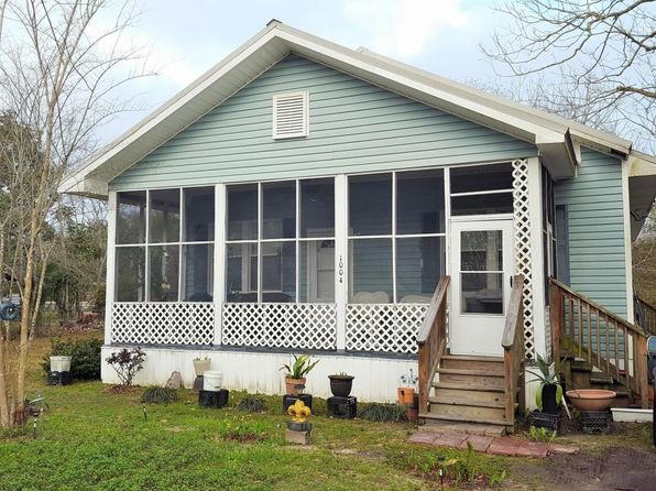2 bed 1 bath Single Family at 1004 TAYLOR LN OCEAN SPRINGS, MS, 39564 is for sale at 105k - 1 of 10