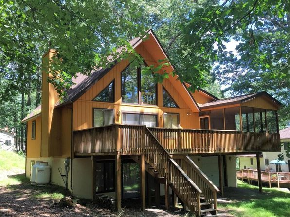 4 bed 3 bath Single Family at 33 Pine St Lakeville, PA, 18438 is for sale at 240k - 1 of 24
