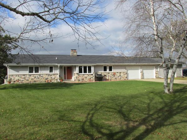 3 bed 2 bath Single Family at 8409 Hilltop Ln Kewaskum, WI, 53040 is for sale at 240k - 1 of 25