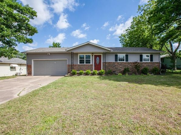 3 bed 2 bath Single Family at 410 E Houston St Broken Arrow, OK, 74012 is for sale at 120k - 1 of 31