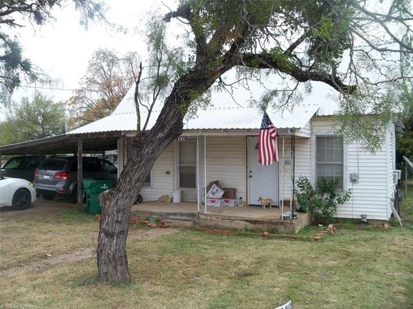 2 bed 1 bath Single Family at 121 Columbus St Coleman, TX, 76834 is for sale at 16k - 1 of 12
