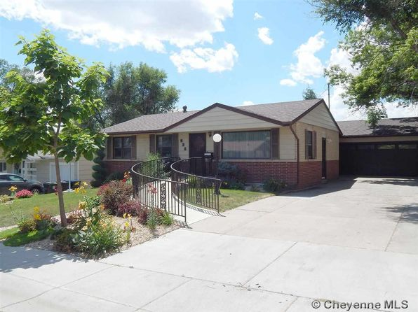 5 bed 2 bath Single Family at 926 Hillcrest Rd Cheyenne, WY, 82001 is for sale at 200k - 1 of 10