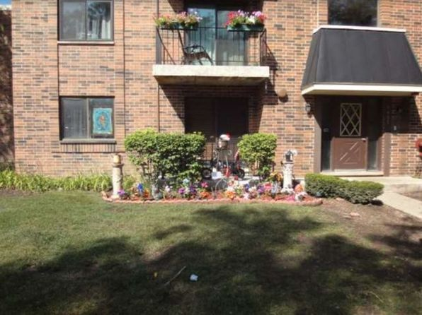 2 bed 1.1 bath null at 5407 Chateau Rolling Meadows, IL, 60008 is for sale at 125k - 1 of 13