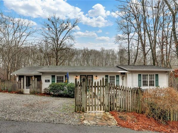 2 bed 2 bath Single Family at 6255 REIVES RD CUMMING, GA, 30041 is for sale at 190k - 1 of 25