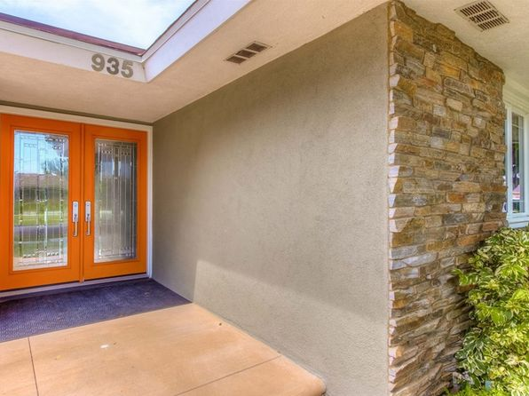 4 bed 3 bath Single Family at 935 W 21st St Santa Ana, CA, 92706 is for sale at 850k - 1 of 55