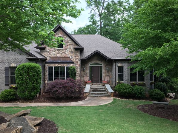 3 bed 3 bath Single Family at 114 Walnut Creek Way Greenville, SC, 29611 is for sale at 569k - 1 of 47
