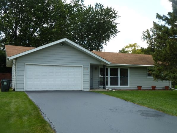 2 bed 1 bath Single Family at 102 Longmeadow Dr Lindenhurst, IL, 60046 is for sale at 135k - 1 of 14