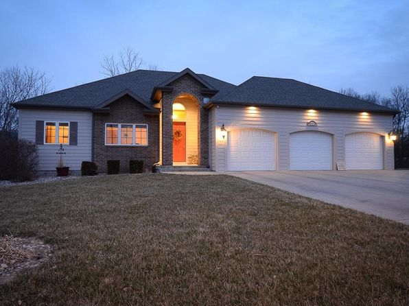 4 bed 3 bath Single Family at 2102 Ponca Junction City, KS, 66441 is for sale at 380k - 1 of 59