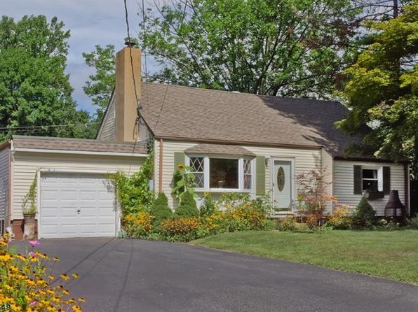 4 bed 2 bath Single Family at 44 Memory Ln Denville, NJ, 07834 is for sale at 389k - 1 of 22