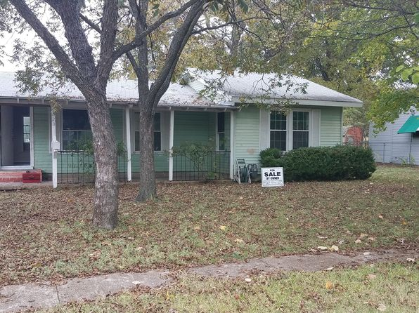 2 bed 2 bath Single Family at 223 Moore St Duncanville, TX, 75116 is for sale at 75k - 1 of 6
