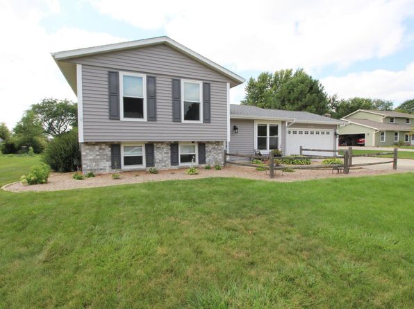 3 bed 2 bath Single Family at W208S10489 N Karen Ct Muskego, WI, 53150 is for sale at 240k - 1 of 21