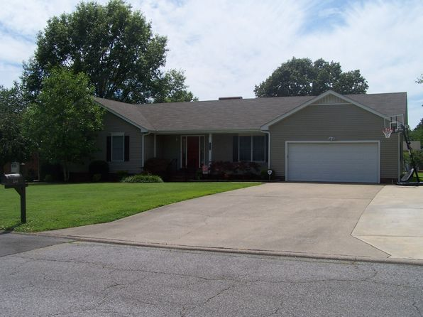 3 bed 2 bath Single Family at 1544 Whippoorwill Dr Murray, KY, 42071 is for sale at 230k - 1 of 16