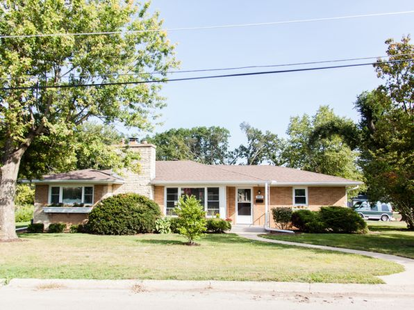 3 bed 2 bath Single Family at 800 W Glover St Ottawa, IL, 61350 is for sale at 169k - 1 of 19