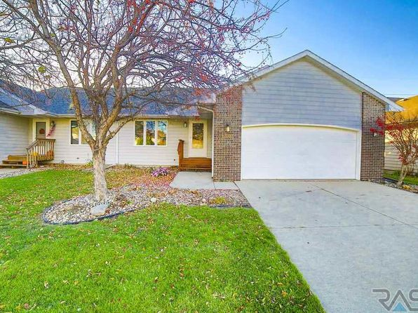 3 bed 2 bath Townhouse at 1505 S Campbell Trl Sioux Falls, SD, 57106 is for sale at 187k - 1 of 25