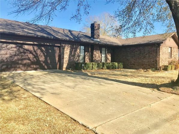 3 bed 3 bath Single Family at 36 W Houston St Greenwood, AR, 72936 is for sale at 140k - 1 of 22