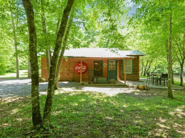 1 bed 1 bath Single Family at 900 Blue Ridge Park Dr Hayesville, NC, 28904 is for sale at 138k - 1 of 19