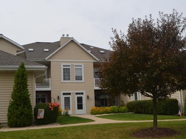 2 bed 2 bath Condo at W397N5935 Autumn Woods Dr Oconomowoc, WI, 53066 is for sale at 195k - 1 of 14