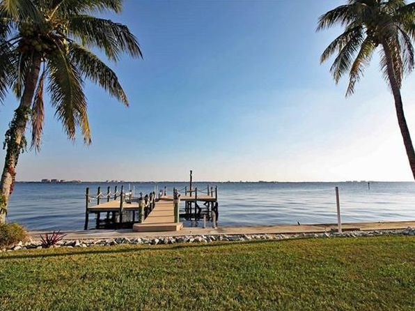 3 bed 2 bath Single Family at 252 Bayshore Dr Cape Coral, FL, 33904 is for sale at 880k - 1 of 25