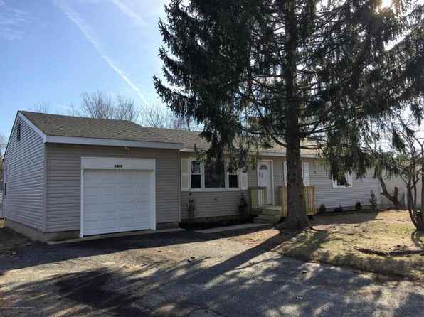 4 bed 1 bath Single Family at 1416 Broadway Blvd Toms River, NJ, 08757 is for sale at 230k - 1 of 18