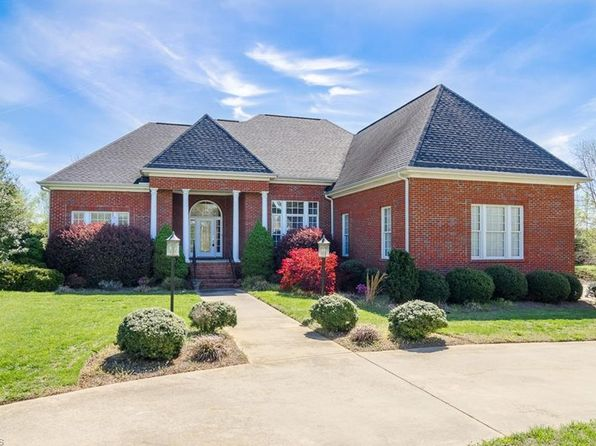 4 bed 5 bath Single Family at 6702 Bugle Run Oak Ridge, NC, 27310 is for sale at 400k - 1 of 29