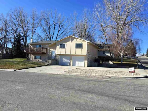 4 bed 3 bath Single Family at 800 Fullerton Ave Buffalo, WY, 82834 is for sale at 265k - 1 of 20
