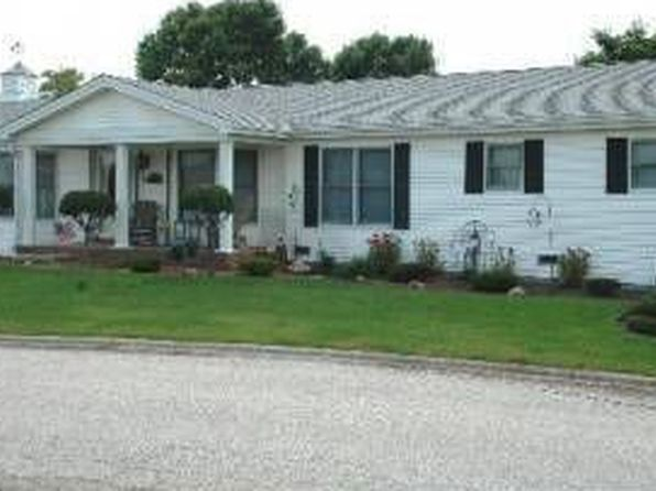 3 bed 2 bath Single Family at 313 Furlong Ln Grayslake, IL, 60030 is for sale at 130k - 1 of 23