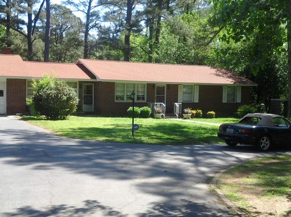 3 bed 2 bath Single Family at 1308 Cokesbury Rd Greenwood, SC, 29649 is for sale at 126k - 1 of 34