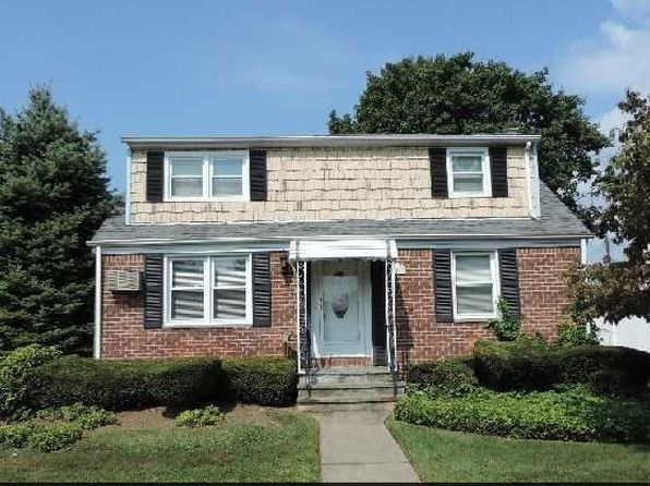 5 bed 3 bath Single Family at 2161 McArthur St East Meadow, NY, 11554 is for sale at 576k - google static map