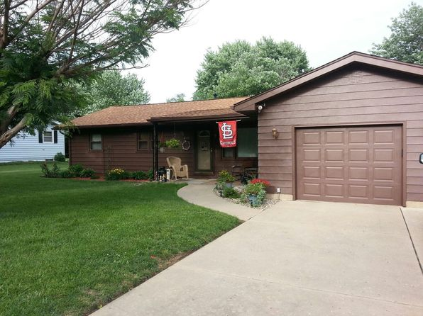 3 bed 1 bath Single Family at 4108 McClain Dr Decatur, IL, 62526 is for sale at 115k - 1 of 38
