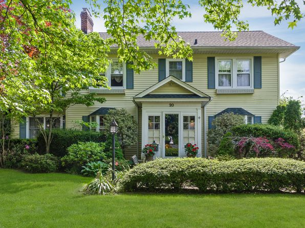 3 bed 2 bath Single Family at 20 Roxbury Rd Rockville Centre, NY, 11570 is for sale at 995k - 1 of 43