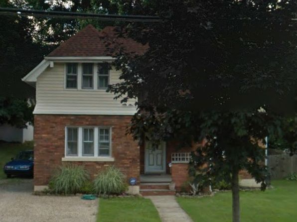 3 bed 2 bath Single Family at 1402 Goodyear Blvd Akron, OH, 44305 is for sale at 80k - 1 of 14