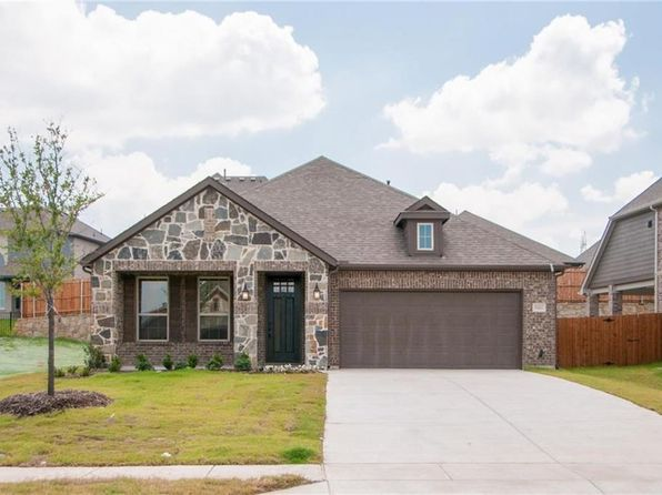 3 bed 2 bath Single Family at 15420 Bluff Creek Cv Roanoke, TX, 76262 is for sale at 317k - 1 of 25