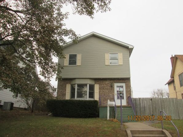 3 bed 3 bath Single Family at 710 12th Ave S Ave Clinton, IA, 52732 is for sale at 66k - 1 of 6