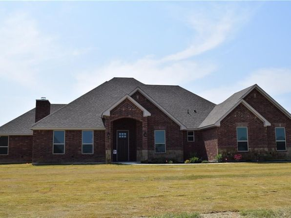 4 bed 3 bath Single Family at 105 Brock Ln Millsap, TX, 76066 is for sale at 305k - 1 of 30