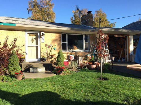 3 bed 2 bath Single Family at 1431 Oak St Wenatchee, WA, 98801 is for sale at 275k - google static map