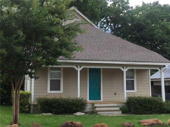 3 bed 2 bath Single Family at 215 N Hawkins St Waxahachie, TX, 75165 is for sale at 146k - 1 of 34