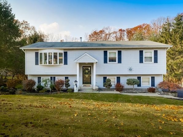 4 bed 2.5 bath Single Family at 8 Ivy Ln Pomona, NY, 10970 is for sale at 595k - 1 of 28