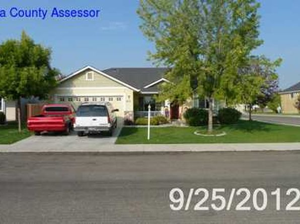 4 bed 2 bath Single Family at 953 N Wolfsburg Ave Meridian, ID, 83642 is for sale at 215k - 1 of 8
