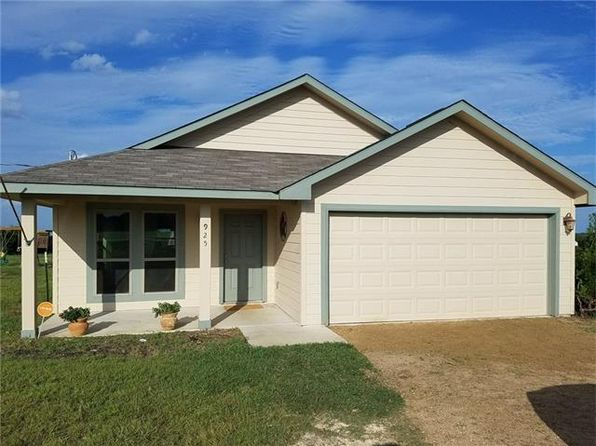 3 bed 2 bath Single Family at 925 Thousand Oaks Trl Liberty Hill, TX, 78642 is for sale at 220k - 1 of 17