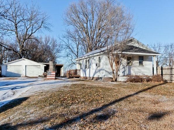 1 bed 1 bath Single Family at 212 29th Ave SW Cedar Rapids, IA, 52404 is for sale at 80k - 1 of 18