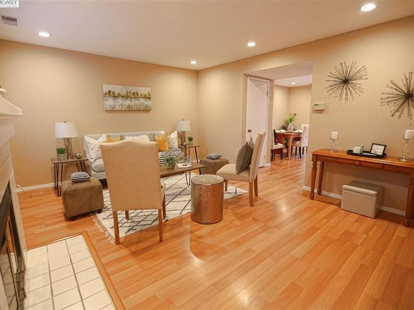 2 bed 3 bath Townhouse at 4976 Grange Ter Fremont, CA, 94555 is for sale at 700k - 1 of 17