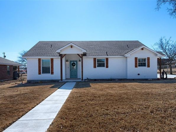 3 bed 2 bath Single Family at 614 E 2nd St Muenster, TX, 76252 is for sale at 219k - 1 of 25