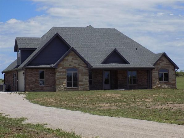 4 bed 3 bath Single Family at 4700 River Oaks Dr Brownwood, TX, 76801 is for sale at 395k - 1 of 35