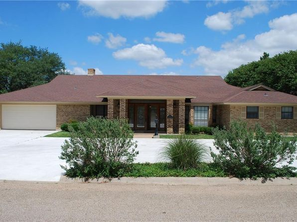 3 bed 2 bath Single Family at 111 Garland Dr Hillsboro, TX, 76645 is for sale at 250k - 1 of 36