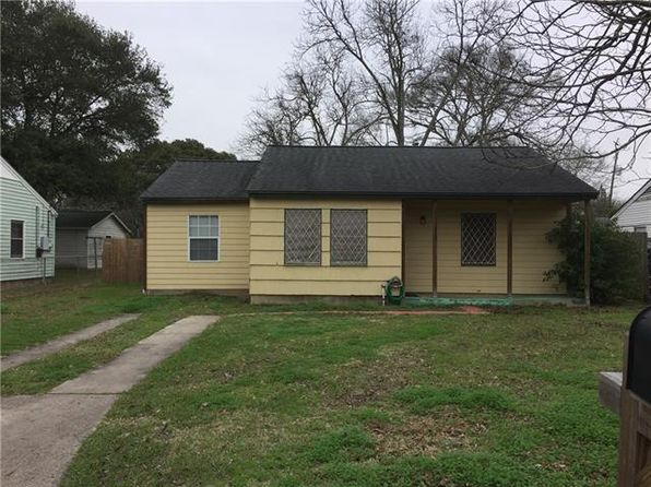 2 bed 1 bath Single Family at 613 LORRAIN ST ANGLETON, TX, 77515 is for sale at 96k - 1 of 7