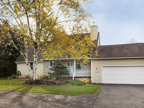 3 bed 3 bath Single Family at 1642 New Seneca Tpke Skaneateles, NY, 13152 is for sale at 325k - 1 of 22
