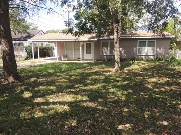 3 bed 1 bath Single Family at 1621 Burkedale Dr Port Lavaca, TX, 77979 is for sale at 68k - 1 of 16