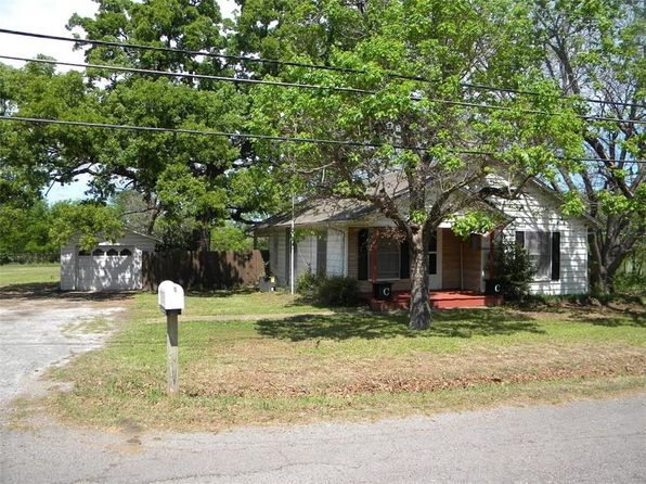 3 bed 2 bath Single Family at 4006 Harris St Greenville, TX, 75401 is for sale at 90k - 1 of 9