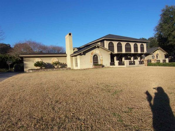 6 bed 6 bath Single Family at 81 Avenue of the Oaks Beaumont, TX, 77707 is for sale at 278k - 1 of 11