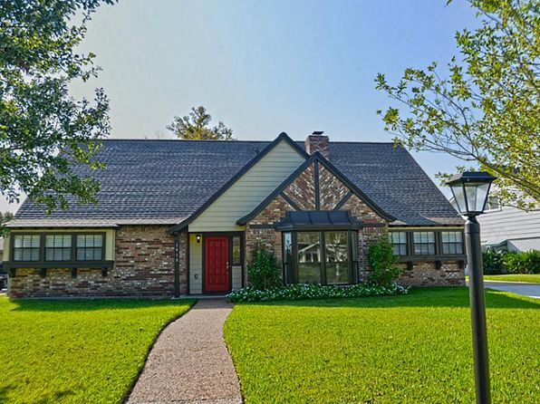 3 bed 2 bath Single Family at 1910 Port Royal Dr Houston, TX, 77058 is for sale at 305k - 1 of 18